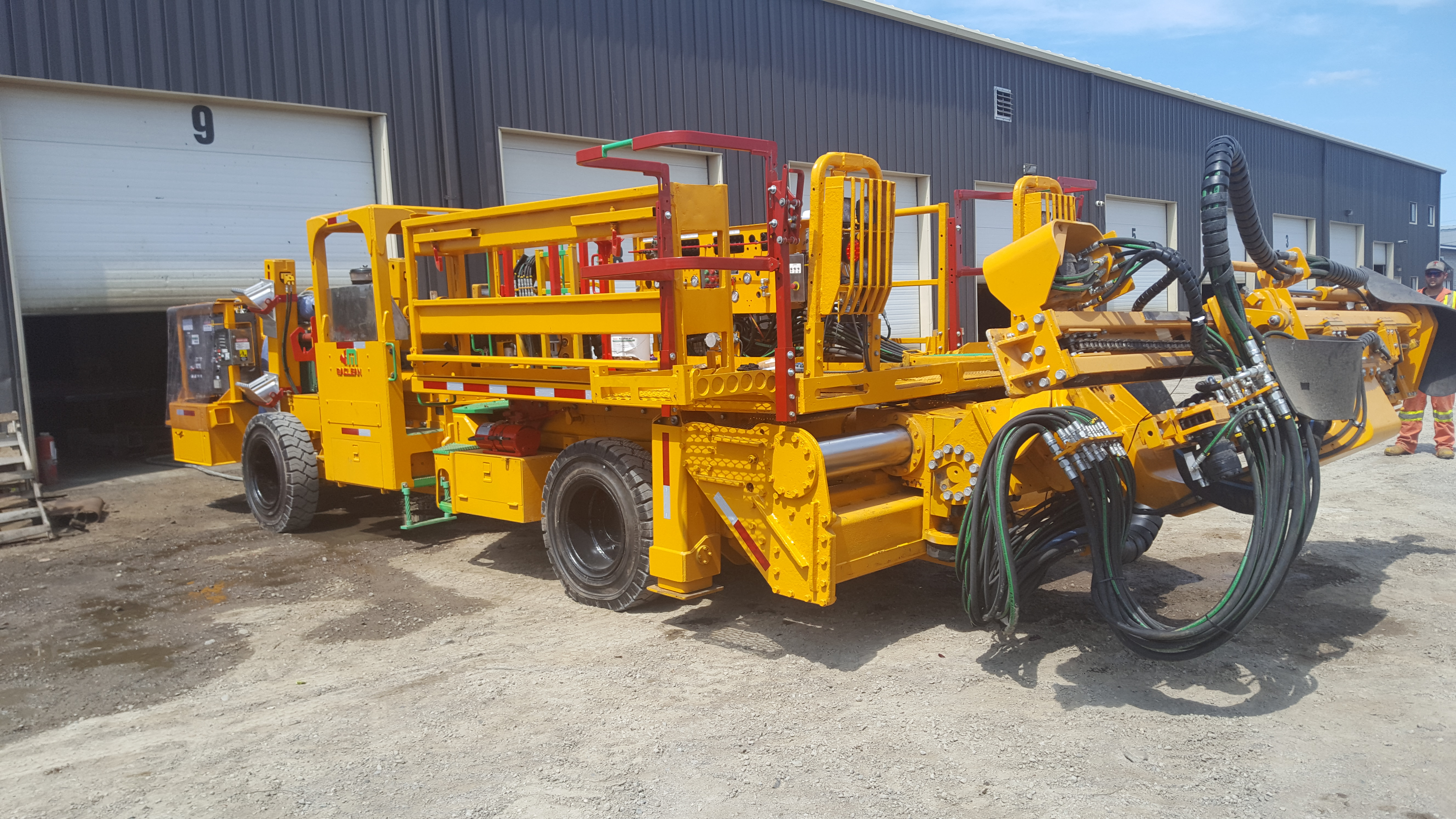 2012 Maclean 928 Bolter